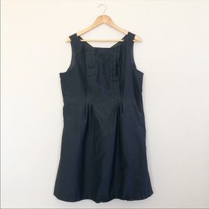 Lands' End sleeveless dress with pockets